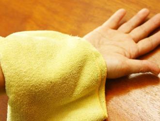 В домашних условиях от болевого синдрома в спине как правило применяют компрессы. Ознакомьтесь с рецептами самых эффективных