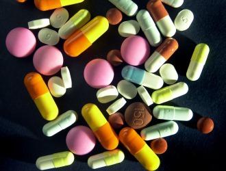 Медикаментозное лечение - основной метод устранения болей в пояснице