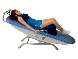 При необходимости травматолог может назначить вытяжение позвоночника