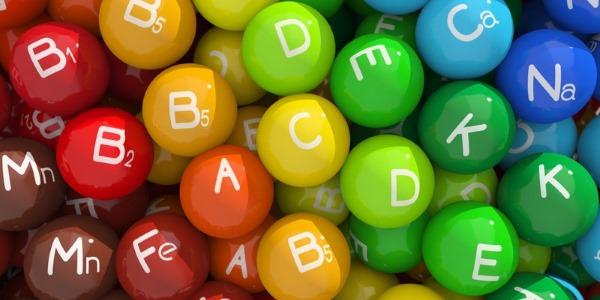 Для лучшего усвоения витамин, их необходимо принимать с другими полезными веществами