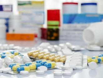Основу лечения болей в пояснице составляет медикаментозная терапия