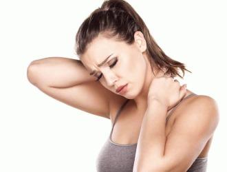 Обратите внимание на основные симптомы протрузий в шее