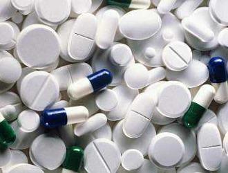 Традиционное лечение грыжи позвоночника не обходится без приема медикаментов