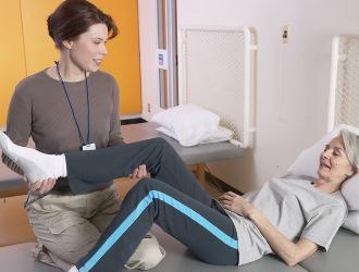 Реабилитация после удаления грыжи зависит от метода проведенной операции