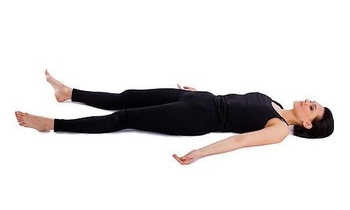 Данное упражнение помогает расслабить спазмированные мышцы