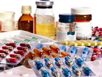 При лечении межпозвоночной грыжи как правило используют несколько групп медикаментов одновременно
