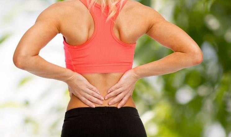 Боль в спине - основной признак проблем с позвоночником: разъясняет хирург-ортопед