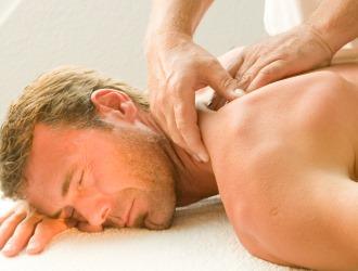 Как правило в начальной стадии сколиоз лечат с помощью лечебного массажа и ЛФК