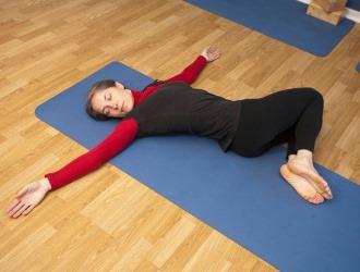 При каждом типе сколиоза имеется свой комплекс упражнений
