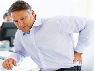 Независимо от локализации корешковый синдром проявляется резкой и внезапной болью
